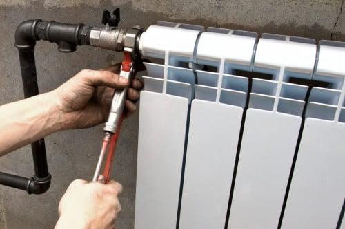 Фото: Установка радиатора отопления