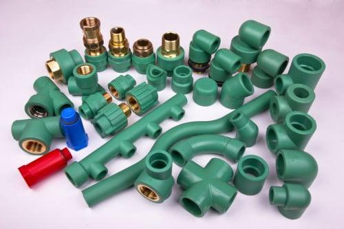 Фото: Соединительные элементы для пластиковых труб