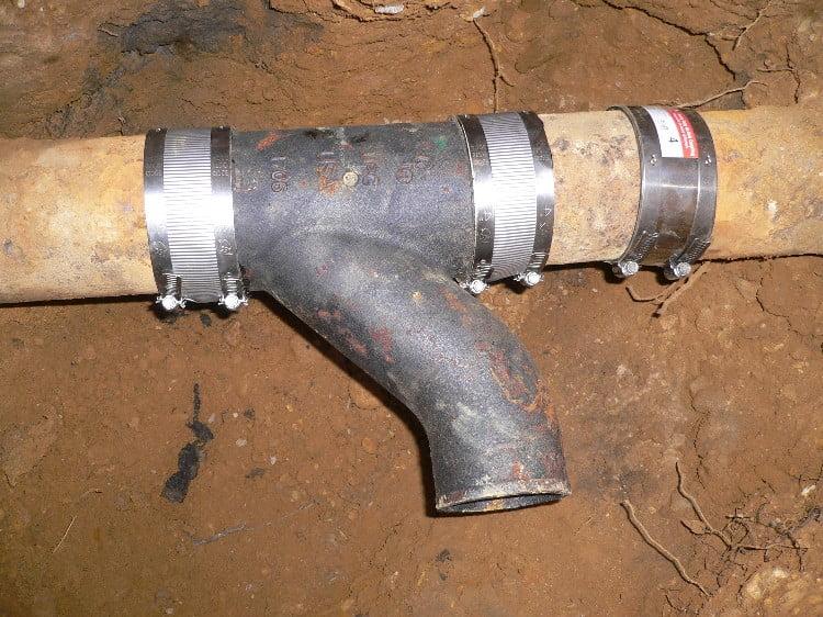 Как правильно соединить канализационные трубы и сделать