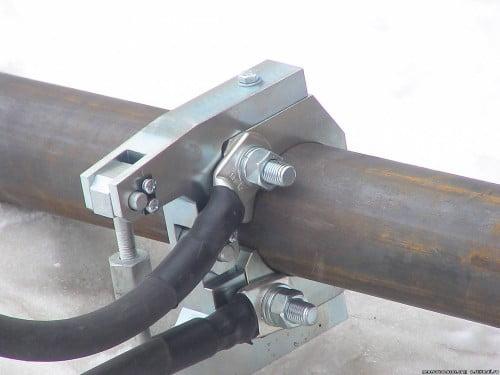 Фото: разморозка трубопровода сварочным аппаратом